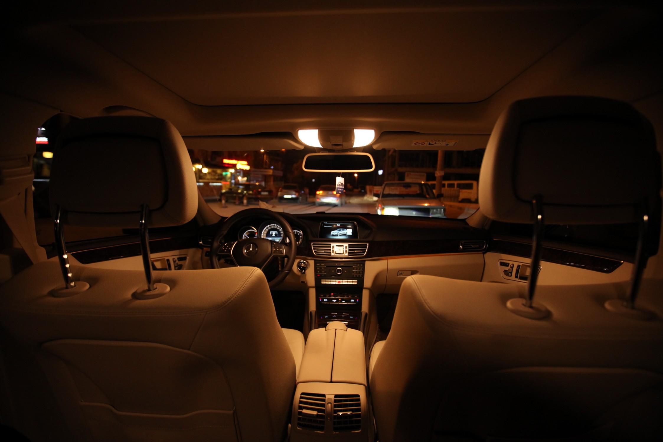Mercedes-3-180-vip-trasnfer-004